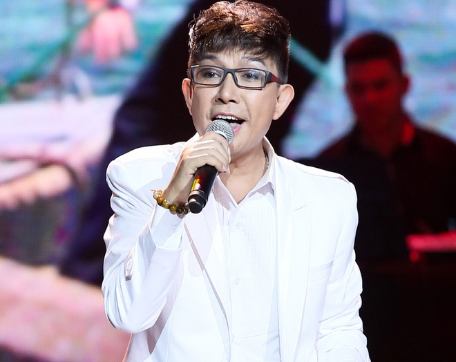 Le Hoang thang than che Long Nhat hat do tren song truc tiep hinh anh