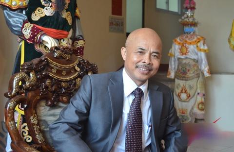 Chu Van Quenh: 'Cha mat van phai cuoi' hinh anh