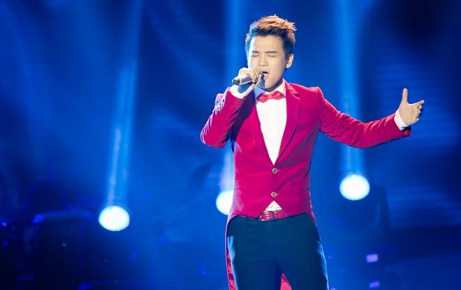 Hot boy X Factor phanh nguc bieu dien tren san khau hinh anh 5