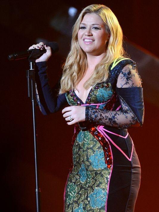 Kelly Clarkson se bieu dien tai chung ket Hoa hau Viet Nam hinh anh 1