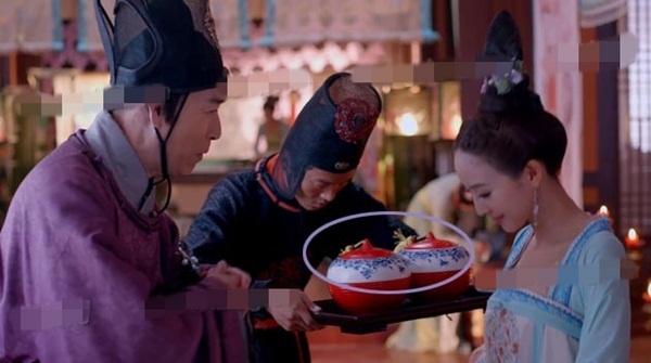 'Nhat san' phim hot 'Vo Mi Nuong truyen ky' hinh anh 5 … thế nhưng chỉ tíc tắc sau đã ở phía sau