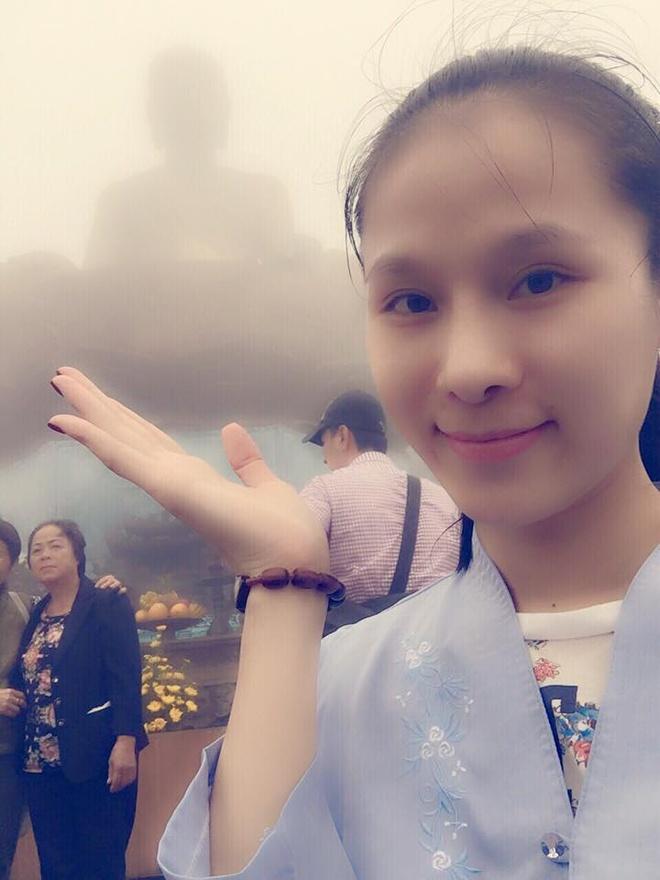 Thái Hà mộc mạc khi tới Yên Tử.