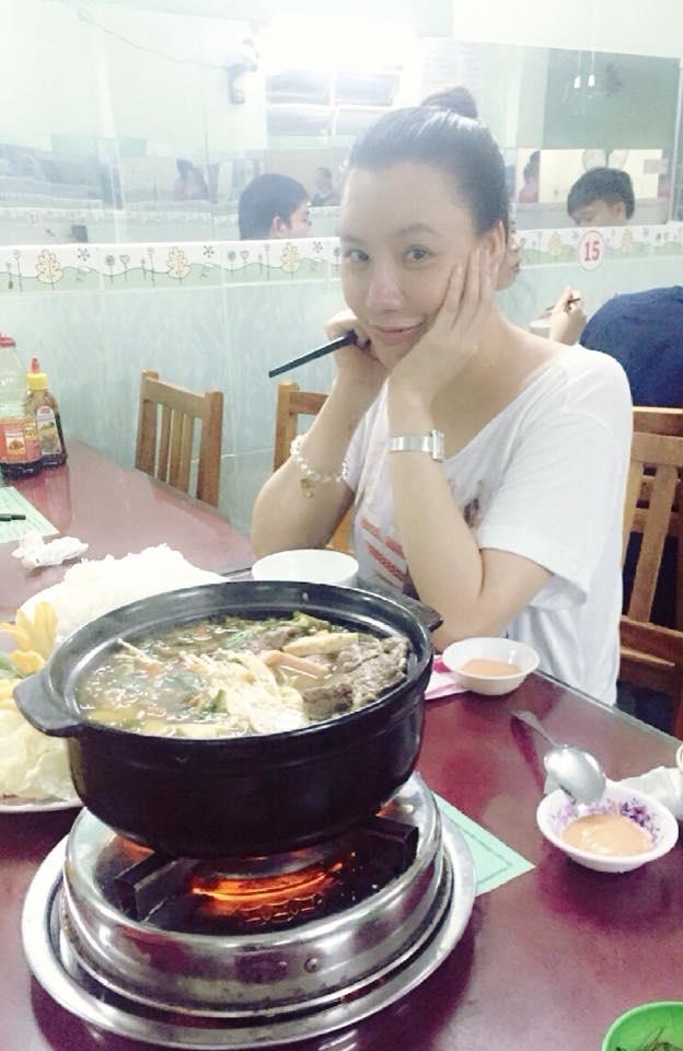 Hồ Quỳnh Hương ngày càng chăm chỉ ăn chay và để mặt mộc.