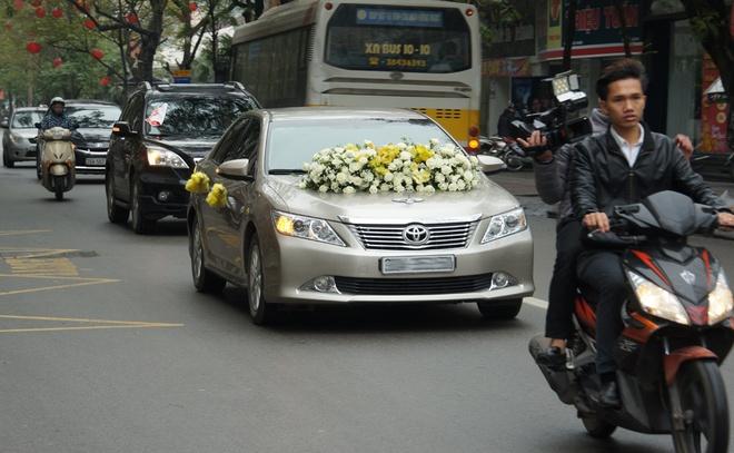 Con gai ben Thanh Thanh Hien trong le ruoc dau hinh anh 3