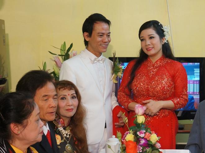 Con gai ben Thanh Thanh Hien trong le ruoc dau hinh anh 7