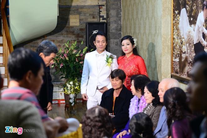 Con gai ben Thanh Thanh Hien trong le ruoc dau hinh anh 18