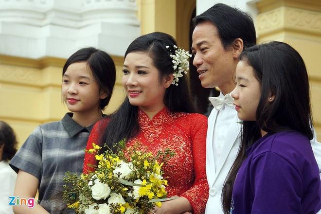 Con gai ben Thanh Thanh Hien trong le ruoc dau hinh anh 10