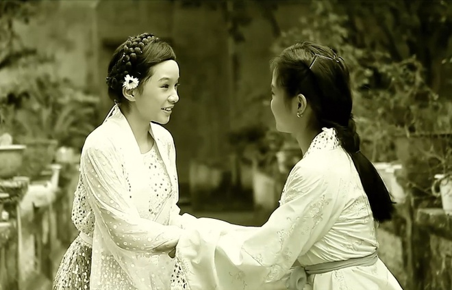 Con gai Thanh Thanh Hien dong MV cai luong cung me hinh anh