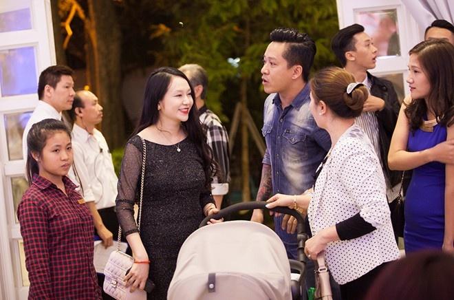 Mot nam tinh yeu cua vo chong Tuan Hung hinh anh 7