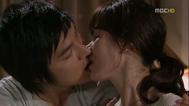 Bo suu tap nu hon cua Lee Min Ho khien khan gia phat ghen hinh anh 7