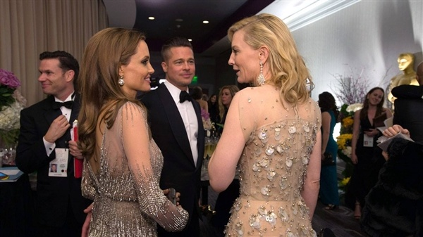 Angelina Jolie di ve dau giua 'nga tu' su nghiep? hinh anh 2