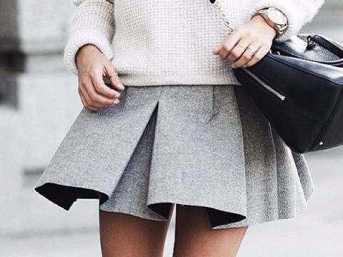 Mini skirt: Khuc bien tau la mat cho quy co cong so hinh anh