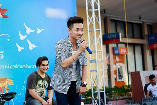 Hoang Thuy Linh khuay dao san khau nhac hoi mua thu hinh anh 5