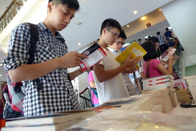 Hoa si truyen tranh Viet cung nhau hoi ngo trong Comics Day hinh anh 1