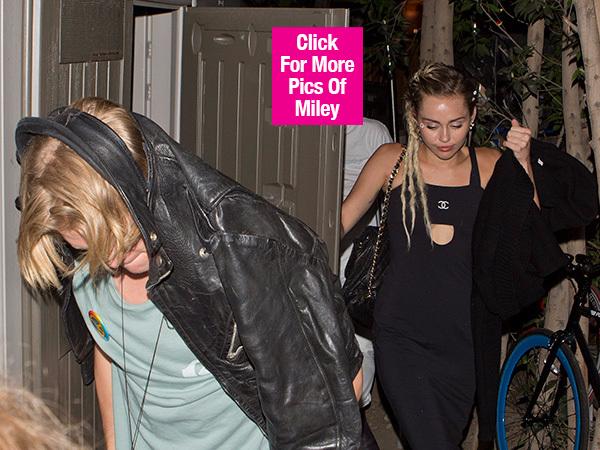 Miley Cyrus hen ho dan em Cody Simpson hinh anh