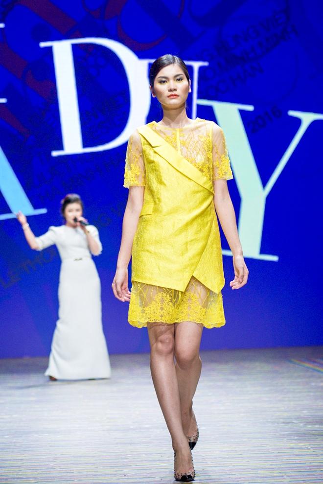 Ha Duy - Duong Hoang Yen tro lai tren san khau thoi trang hinh anh 1