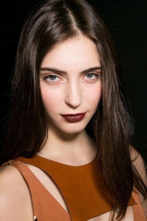 Phong cach trang diem an tuong o New York Fashion Week hinh anh 4