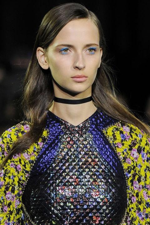 Phong cach trang diem an tuong o New York Fashion Week hinh anh 12