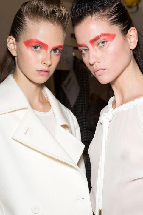 Phong cach trang diem an tuong o New York Fashion Week hinh anh 7