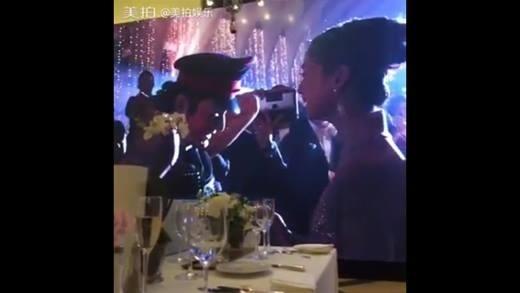 Huynh Hieu Minh nhay Fantastic Baby tang Angela Baby trong dam cuoi hinh anh