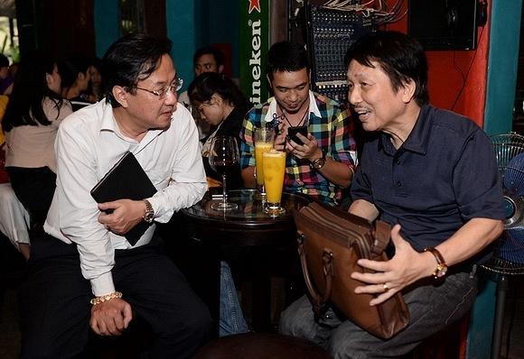 Phu Quang tam xang dot dia nhac truoc mo NSND Le Dung hinh anh