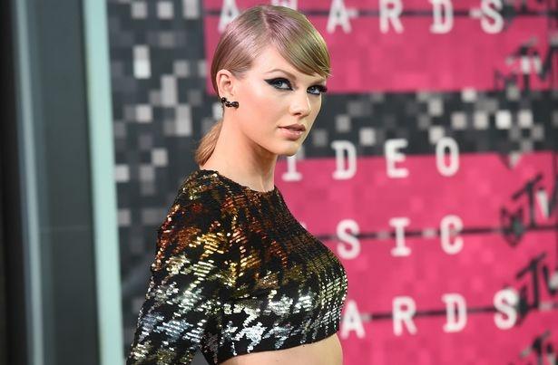 Taylor Swift bat ngo bi kien 42 trieu USD vi dao nhac hinh anh