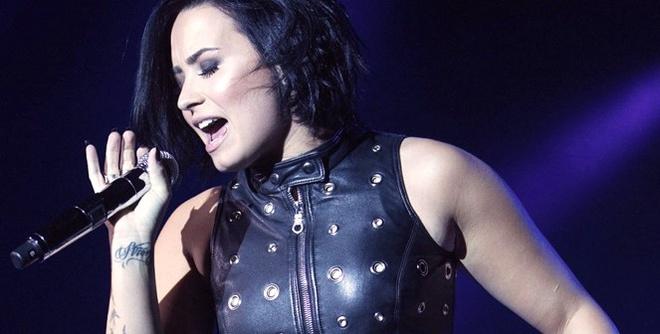 Demi Lovato Covers Adele's