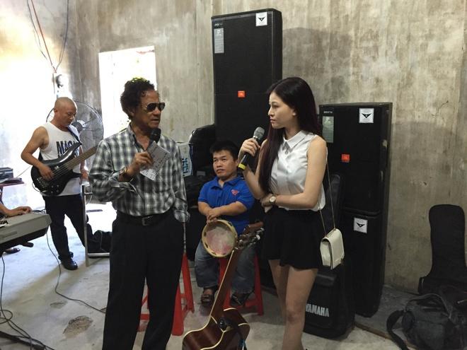 Che Linh boi roi khi fan nu vay kin o Quang Ngai hinh anh 5
