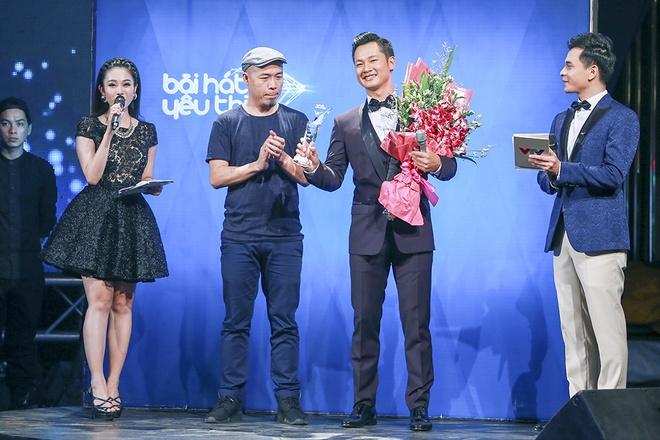 Tien Tien khuay dong san khau BHYT voi 'Vi toi con song' hinh anh 7