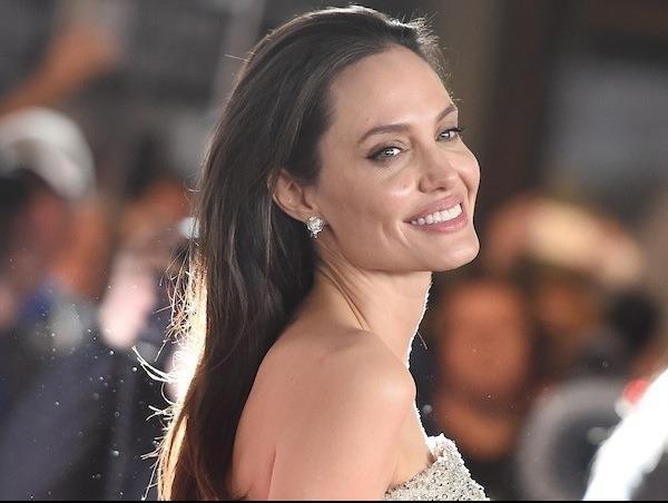 Angelina Jolie: 'Toi thay vui vi minh gia hon' hinh anh