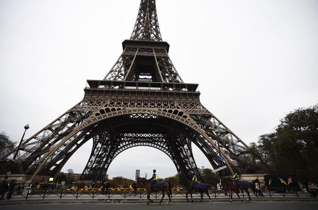 Cong nghiep bieu dien Paris can 53 trieu USD de phuc hoi hinh anh