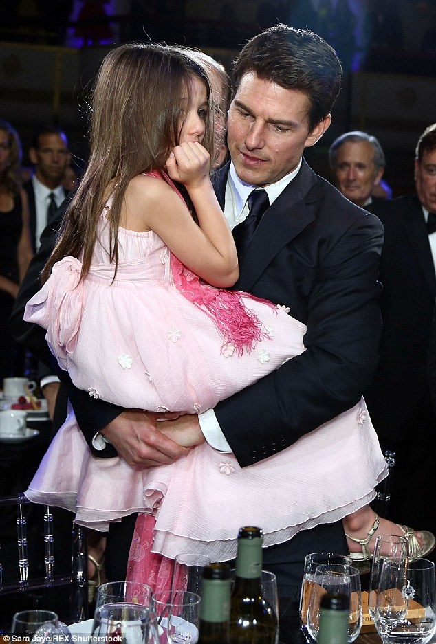 Tom Cruise da hon 2 nam khong gap con gai hinh anh 1