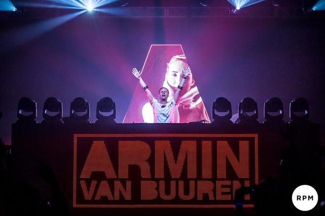 Armin van Buuren nhan cat xe 10 ty cho show tai Viet Nam hinh anh