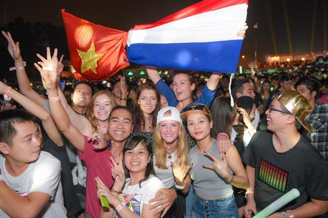 Armin Van Buuren gio cao co Viet Nam tai dai nhac hoi EDM hinh anh 7