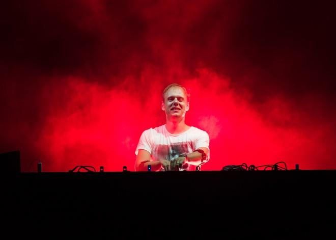 Armin Van Buuren gio cao co Viet Nam tai dai nhac hoi EDM hinh anh 1