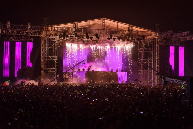 Armin Van Buuren gio cao co Viet Nam tai dai nhac hoi EDM hinh anh 4