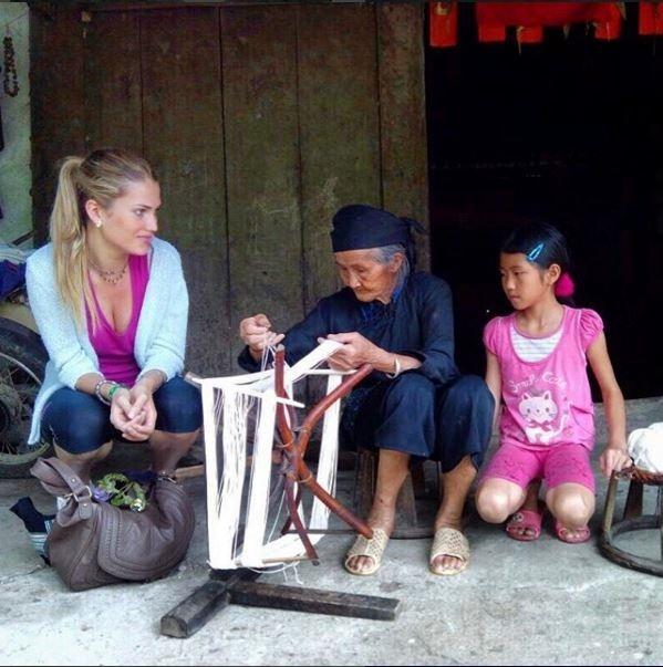 Hoa hau The gioi 2015 tung sang Viet Nam du lich hinh anh 2