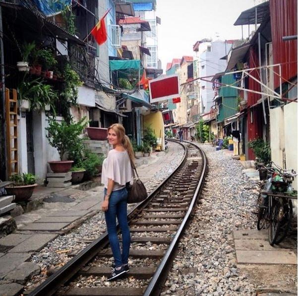 Hoa hau The gioi 2015 tung sang Viet Nam du lich hinh anh 1