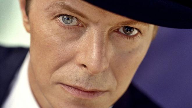 David Bowie qua doi nhung van dan dau Billboard va Twitter hinh anh
