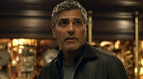 George Clooney phan ung truoc