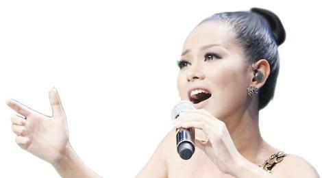 Ca si Hoang Quyen: Nam tuoi thuong co nhieu nguoi theo duoi hinh anh