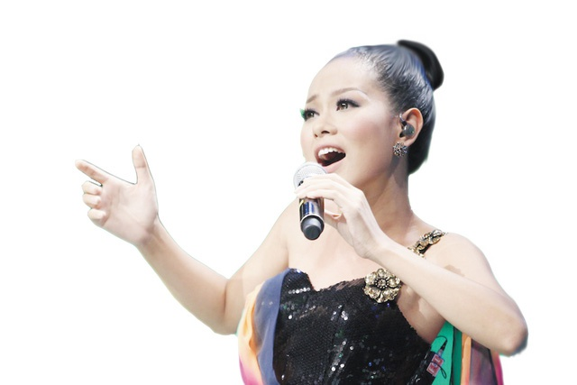 Ca si Hoang Quyen: Nam tuoi thuong co nhieu nguoi theo duoi hinh anh 1