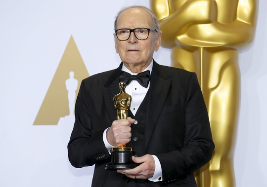 Hay quen Leo, Ennio Morricone thang Oscar sau... 500 phim hinh anh