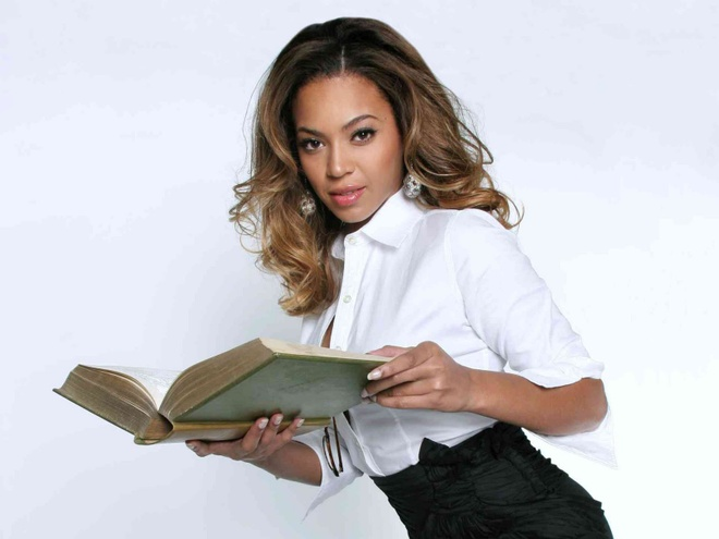 Beyonce tiet lo cuon sach moi phu nu nen doc hinh anh 1