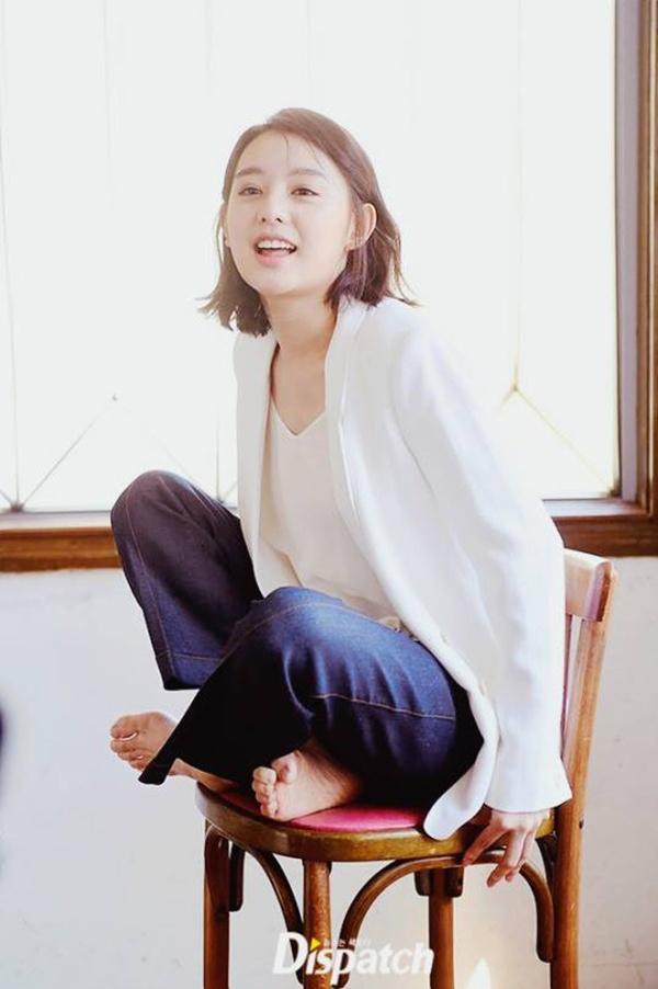Kim Ji Won khong muon bi so sanh voi Song Hye Kyo hinh anh 2