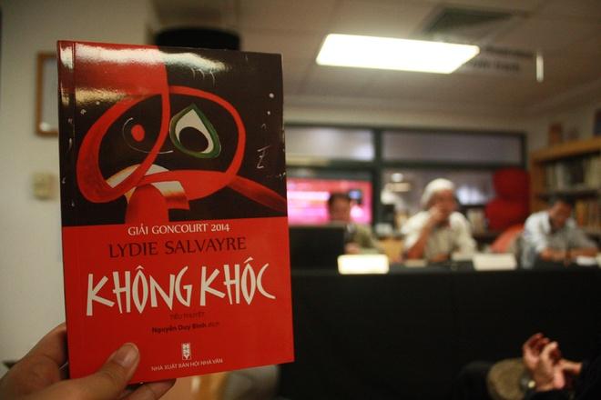 Noi chien Tay Ban Nha trong tieu thuyet 'Khong khoc' hinh anh 2