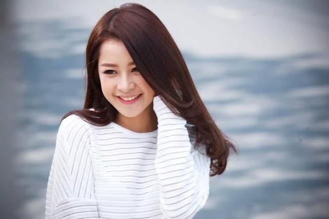 Hotgirl Chi Pu: Nhieu trai dep nhung ben trong rong tuech hinh anh