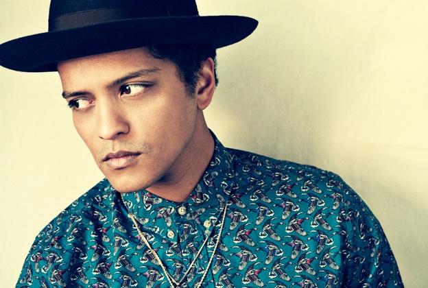 Bruno Mars lien tiep bi kien dao nhac hinh anh