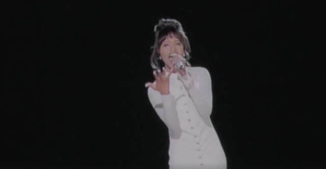 Christina Aguilera huy man 'song ca' voi Whitney Houston hinh anh