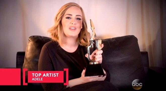 Adele gay bat ngo khi am tron giai thuong lon Billboard hinh anh